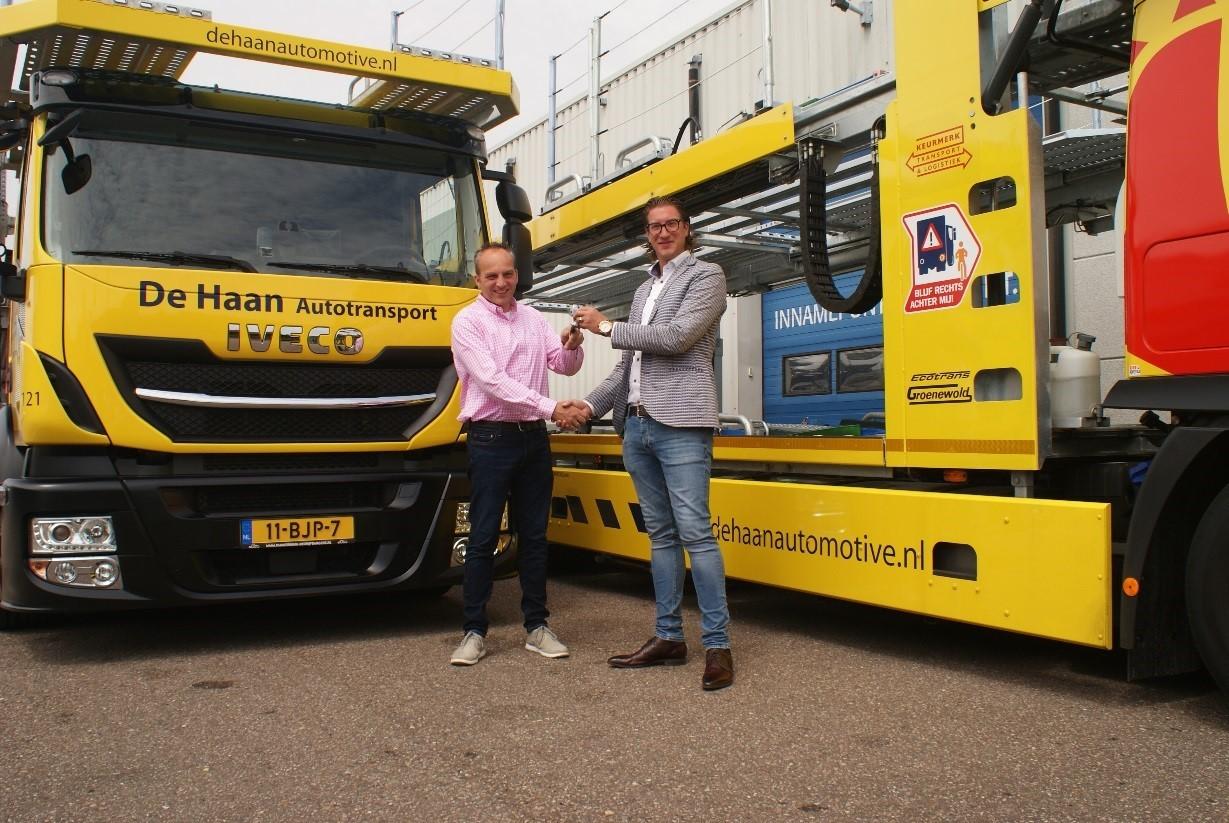 Twee nieuwe IVECO Stralis Cartransporters voor De Haan Autotransport
