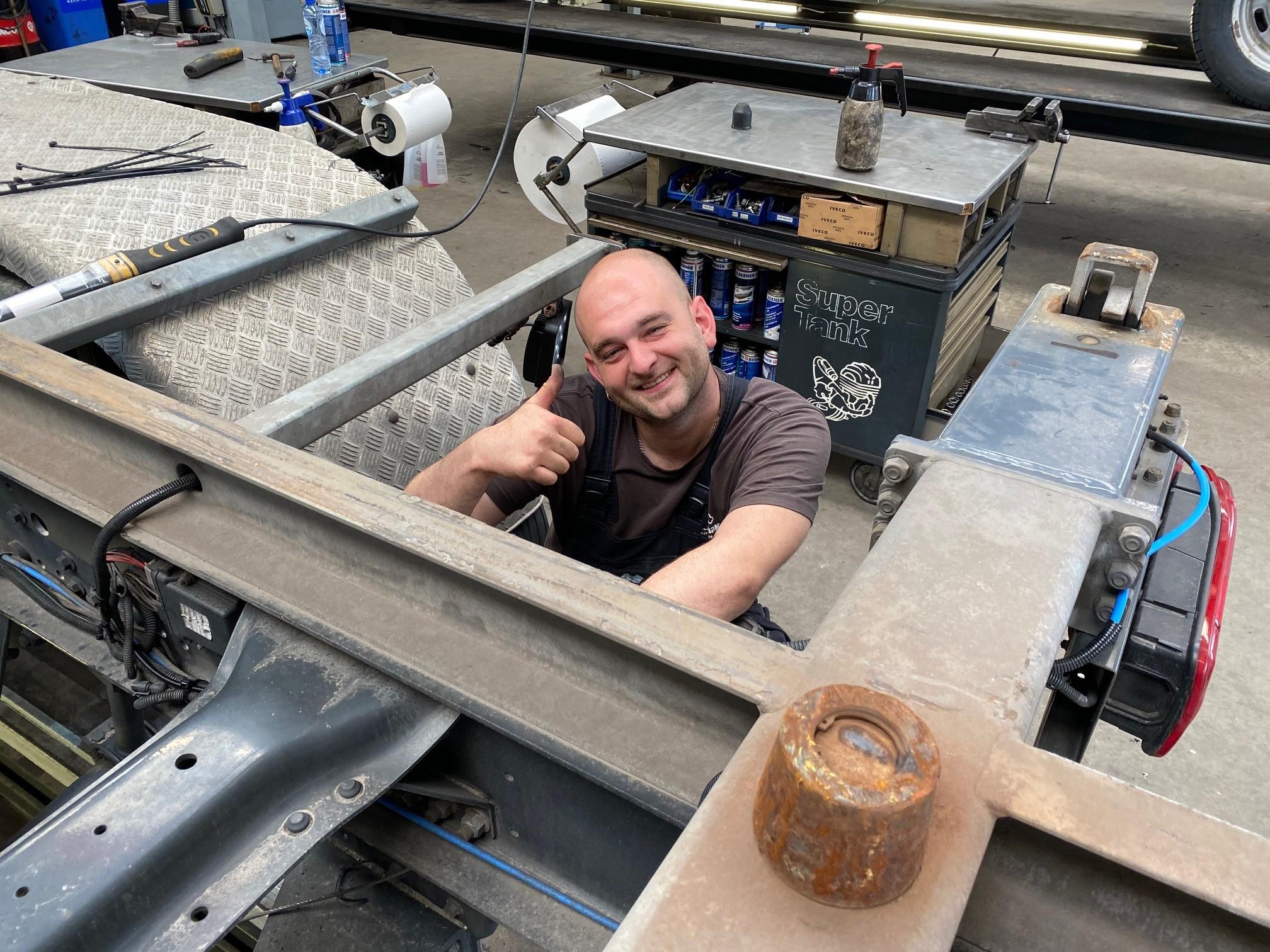 Werken bij IVECO #10 – Eerste Bedrijfswagenmonteur bij een IVECO-dealer