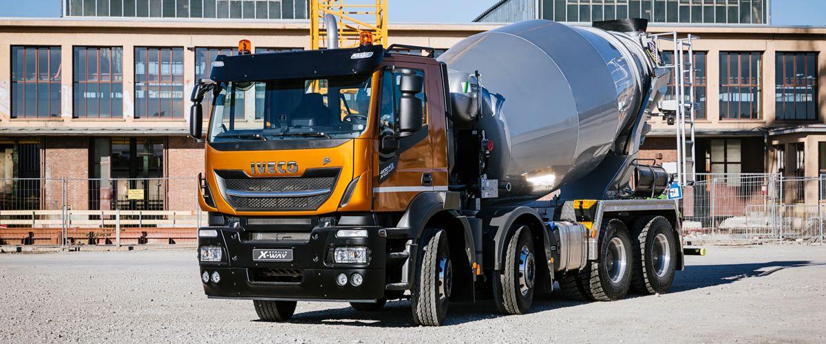 X-way: de truck voor op de weg en daarbuiten